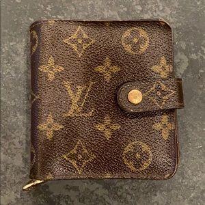 Louis Vuitton Bi Fold Wallet